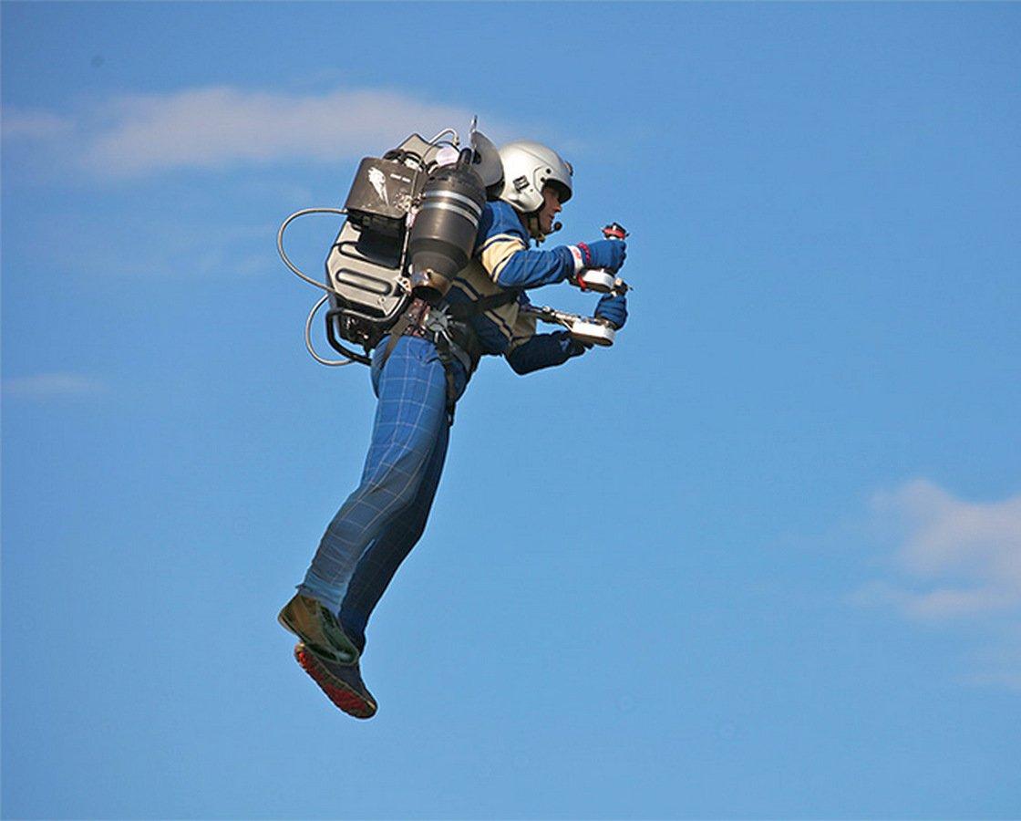 Полет на джетпаке