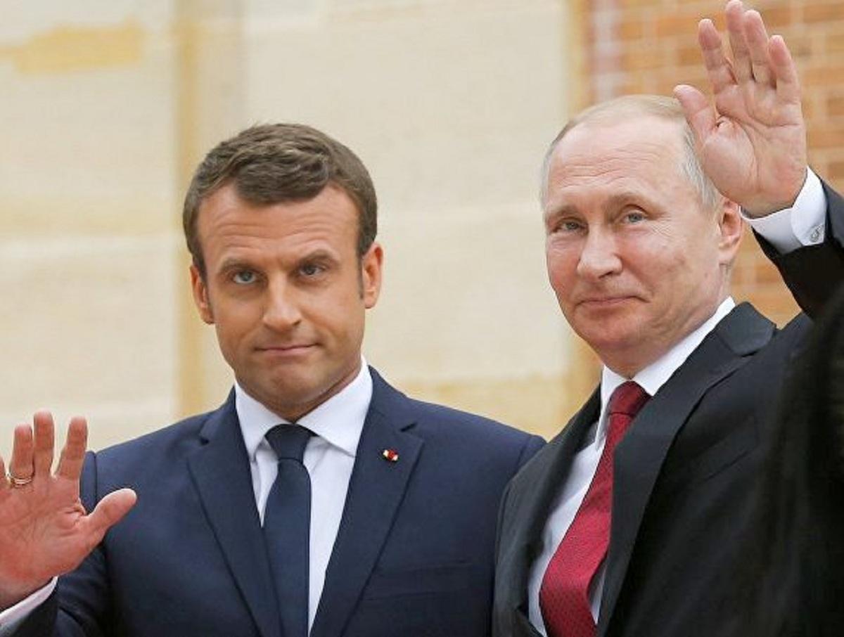 СМИ: Макрона оскорбили слова Путина о Навальном, который сам выпил яд