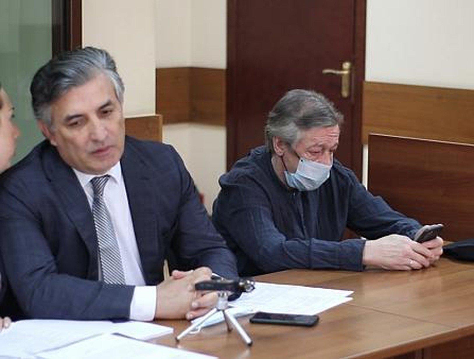 Родня жертвы ДТП с Ефремовым укатили за границу, не дождавшись приговора