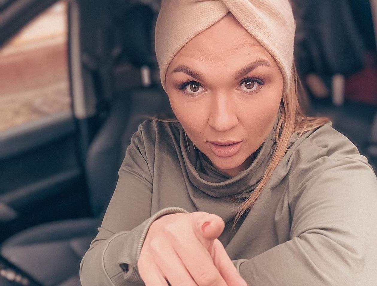 «Я не хотела домой»: звезда Comedy Woman вышла замуж за тирана
