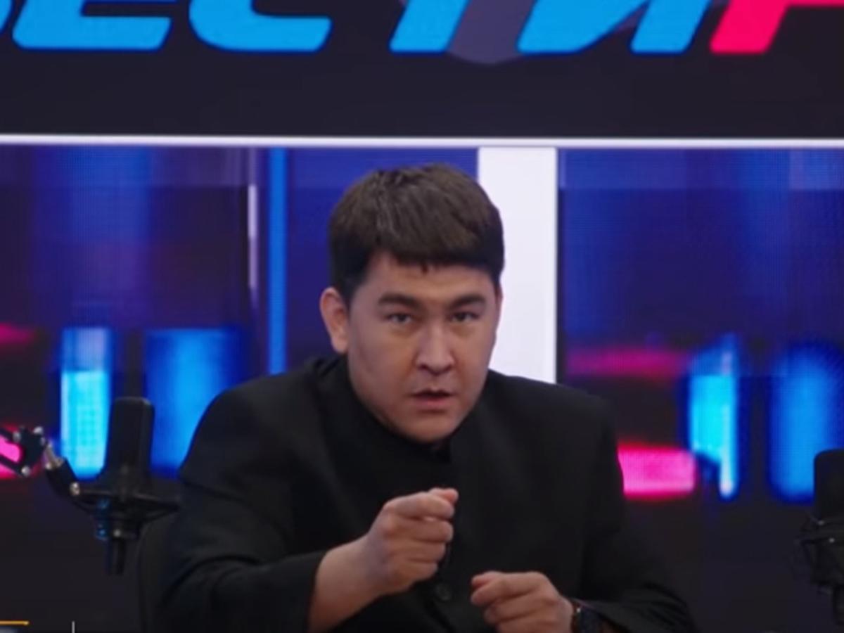 Азамат Мусагалиев показал пародию на Соловьева на ТНТ