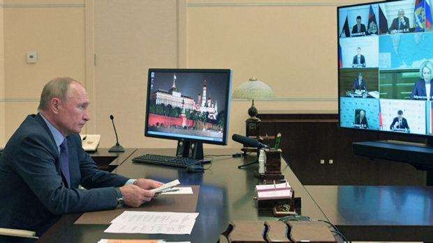 Визитеров Путина перед встречей