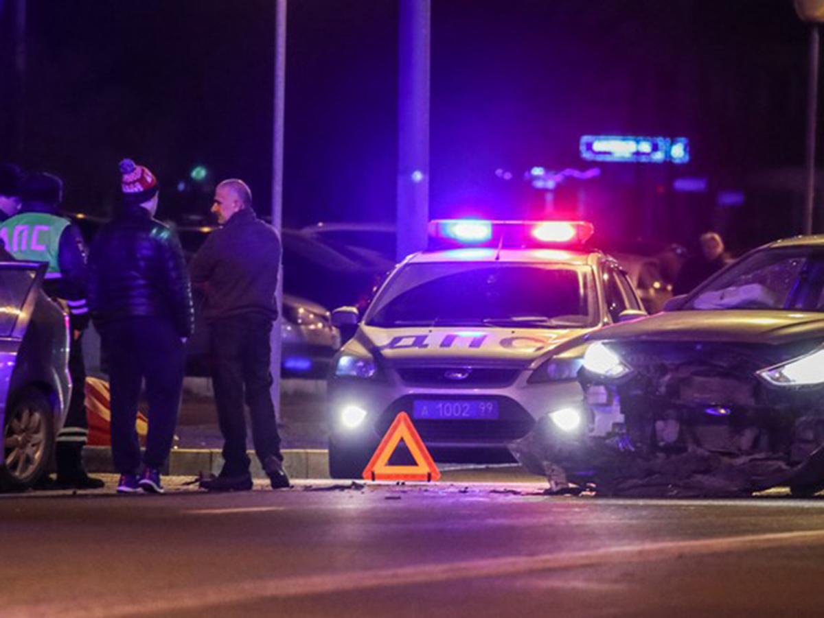 Рэпер Эллей сбил пешеходов на переходе в Москве