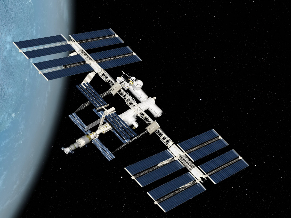 Роскоском собирается снять фильм в космосе