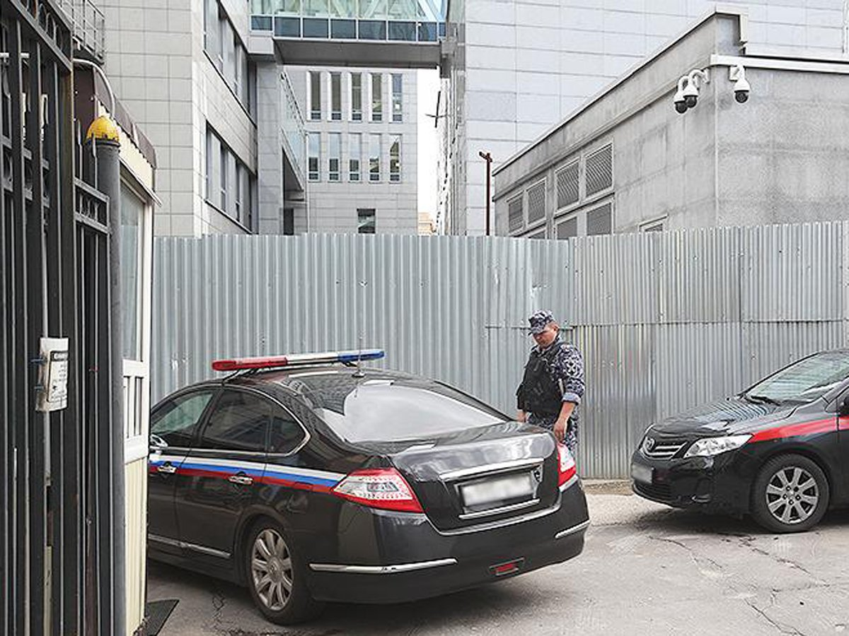 Следователя главка СКР задержали по делу о крупной взятке