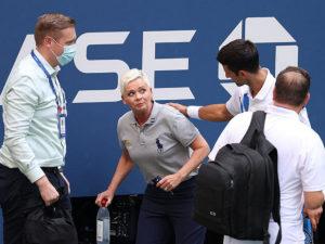 Новак Джокович покинул US Open из-за удара женщины-арбитра