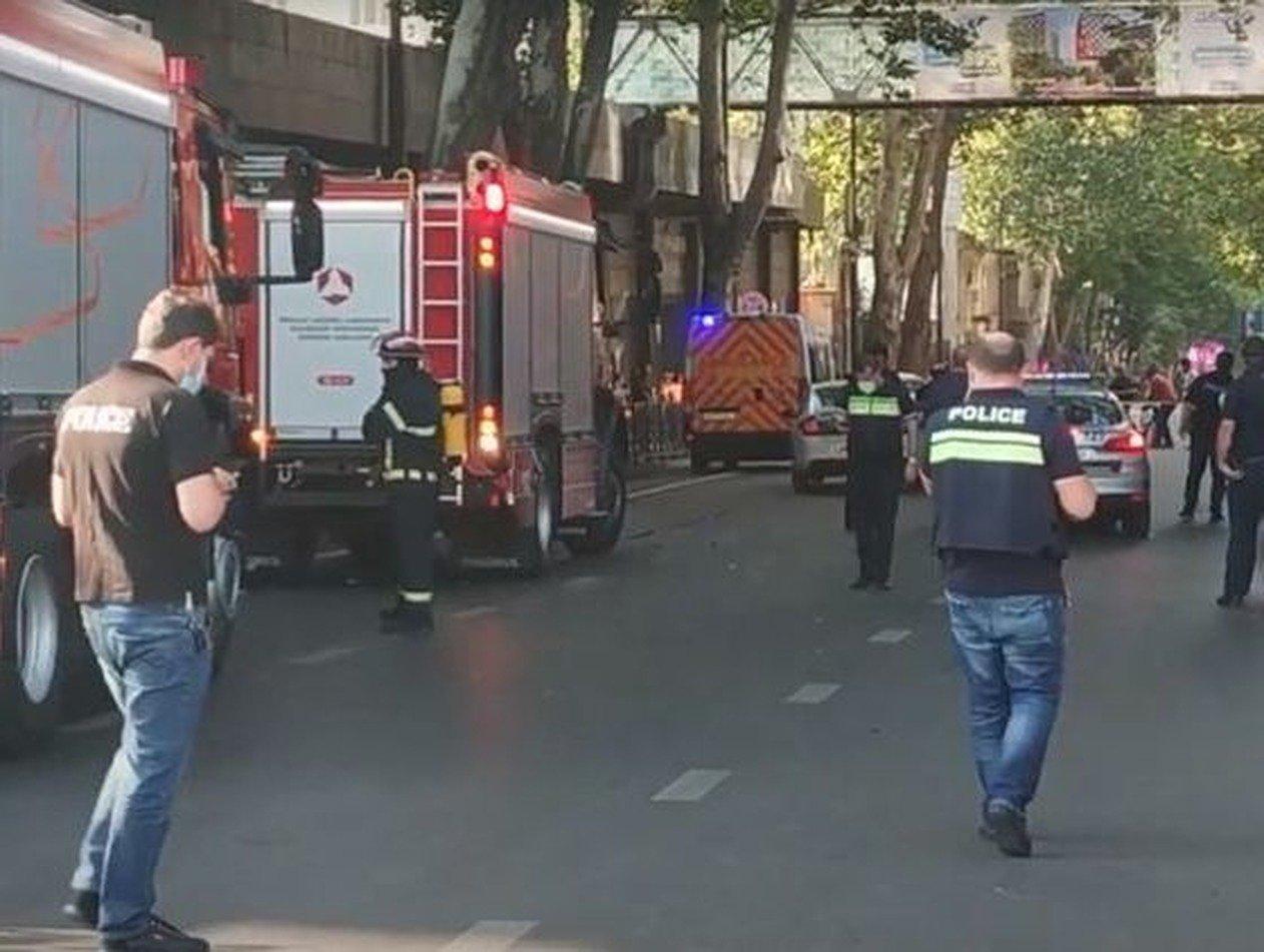 Взрыв в центре Тбилиси: один человек погиб, трое пострадали
