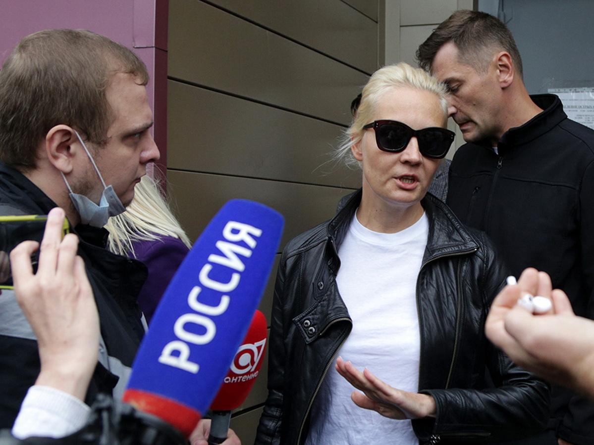 Юлия Навальная ответила доктору Рошалю