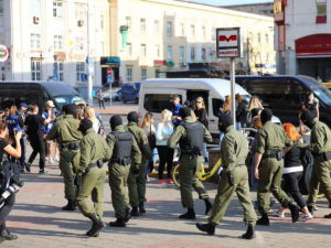 К резиденции Лукашенко в Минске стянуты десятки БТР