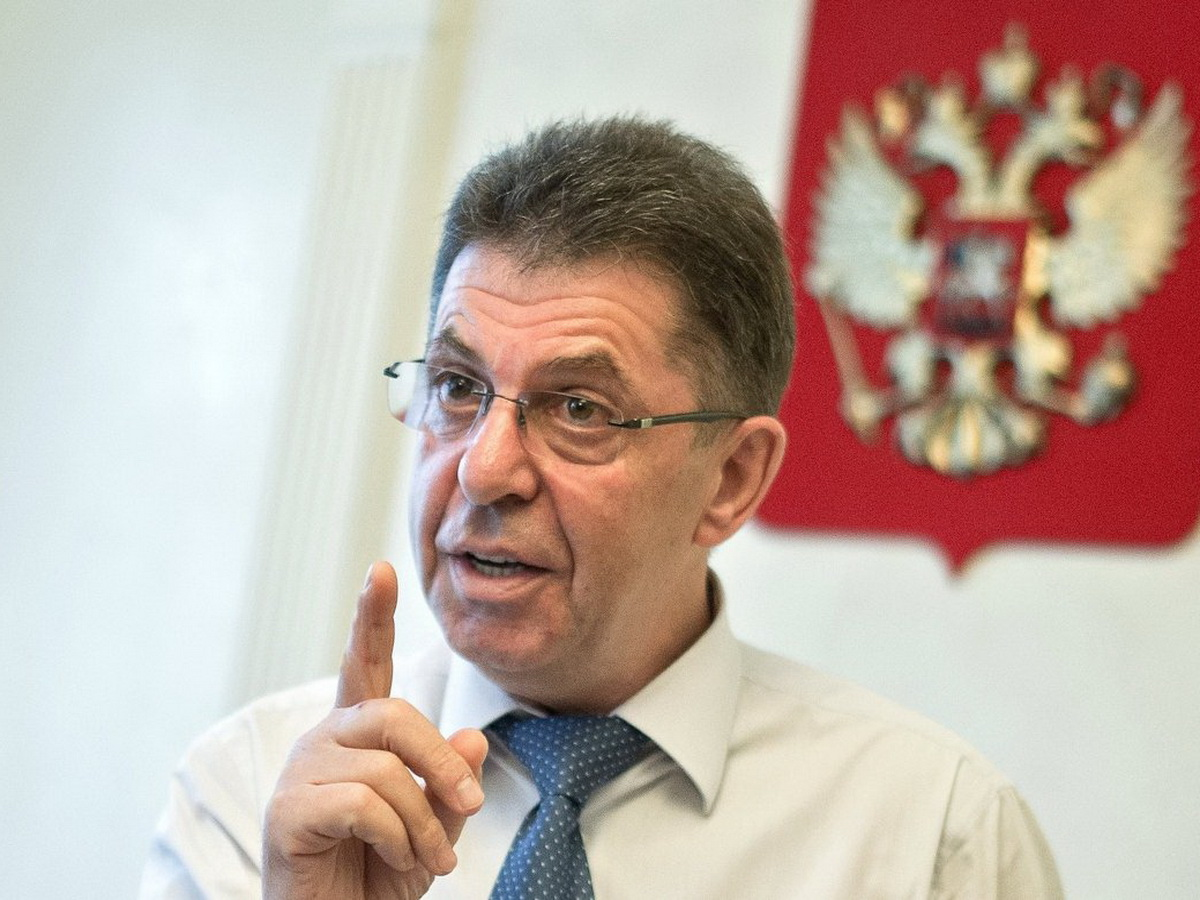 Кравцова обвинили в растрате