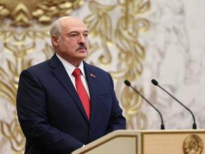 Лукашенко ответил Макрону