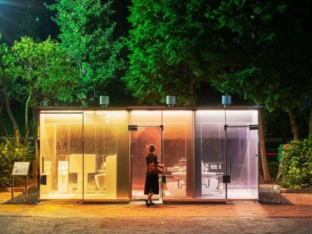 В Японии создали прозрачные общественные туалеты