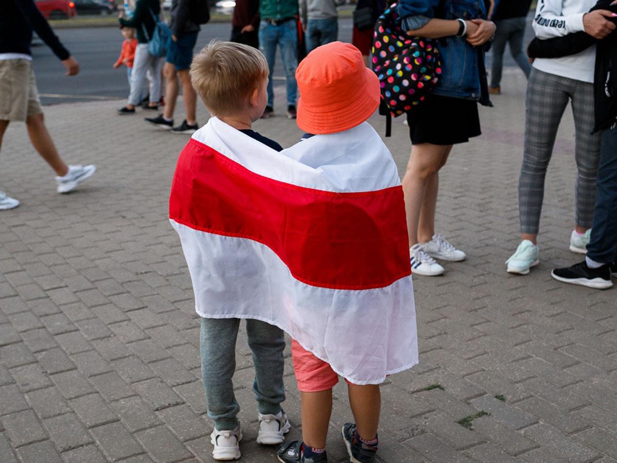 Белоруссия протесты отбирать детей