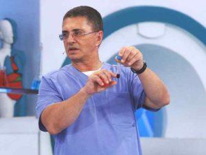 Доктор Мясников назвал четыре сценария развития коронавируса