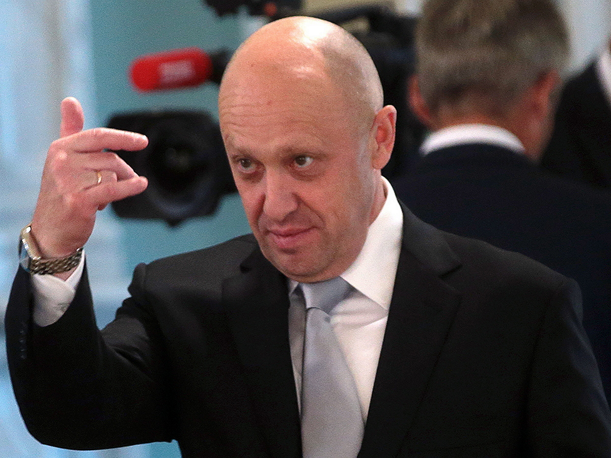 Попавший под санкции ЕС Пригожин хочет поменять свою комнату в Париже на квартиру Навального в Марьино