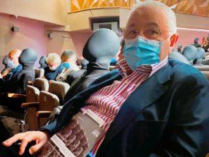 СМИ: 75-летнего Петросяна госпитализировали с подозрением на COVID-19