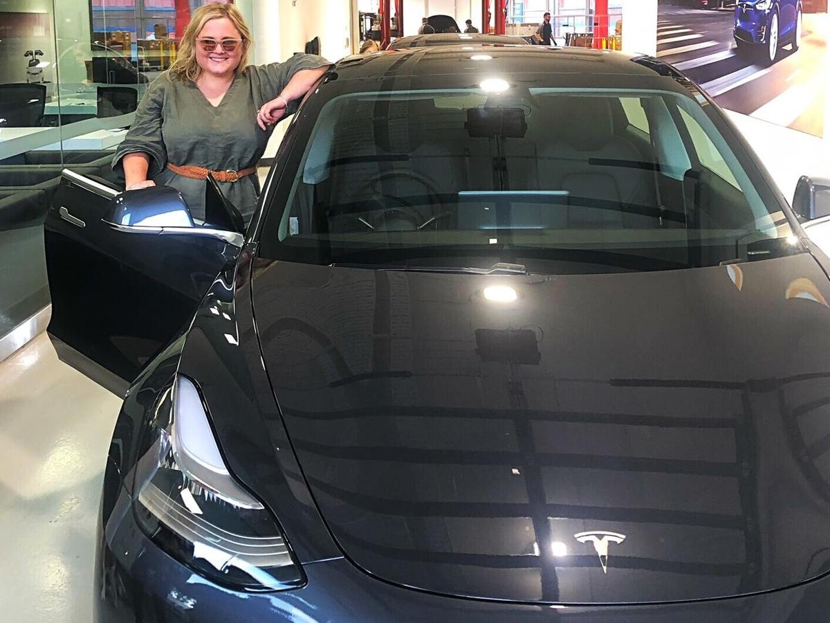 Хозяйка Tesla издевка над преступниками