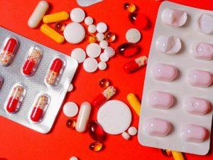 Названы лекарства, которые должны быть в аптечке в пандемию