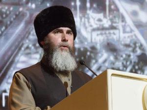 Муфтий Чечни назвал террористом Макрона