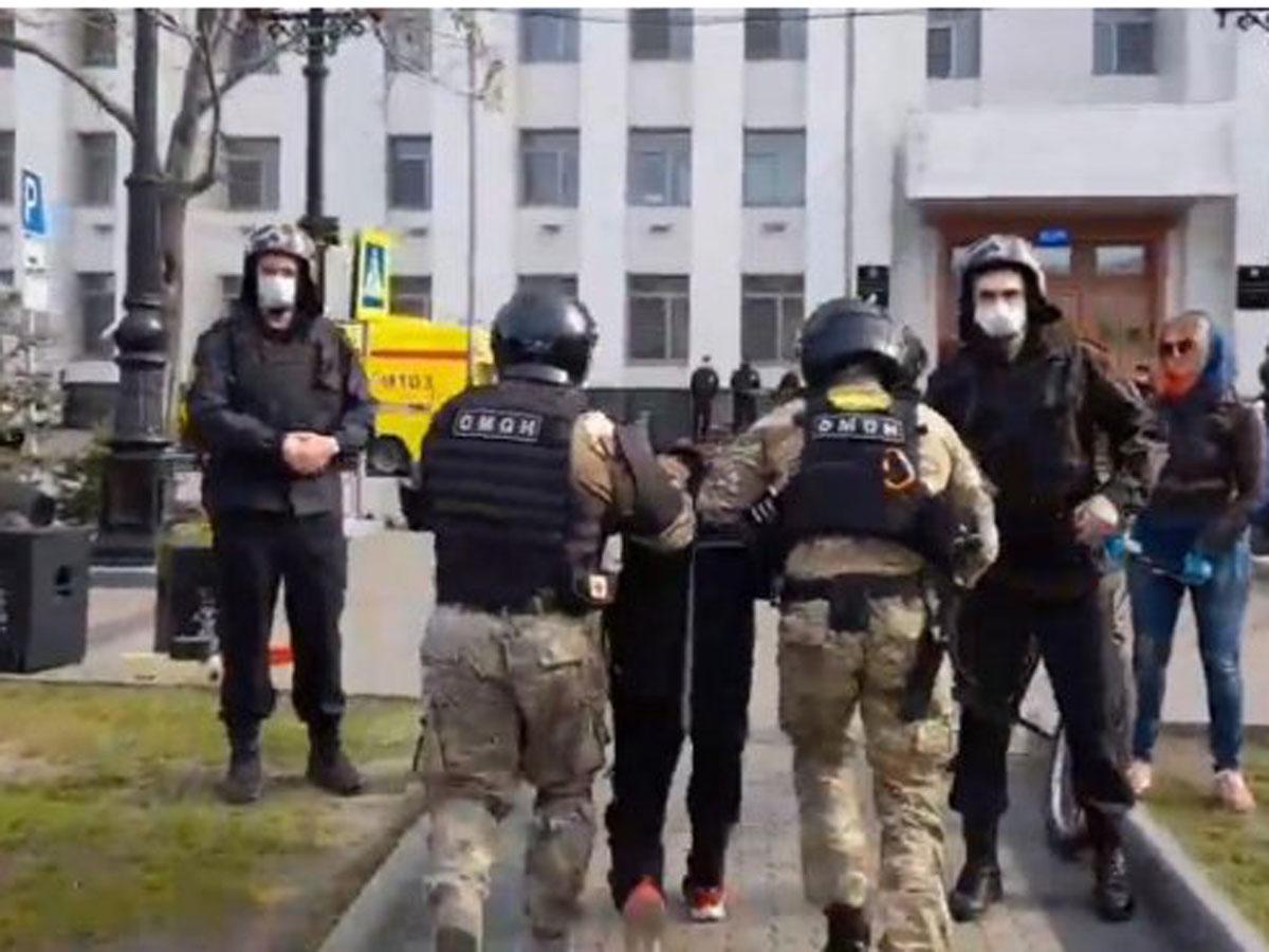 ОМОН применил силу в Хабаровске