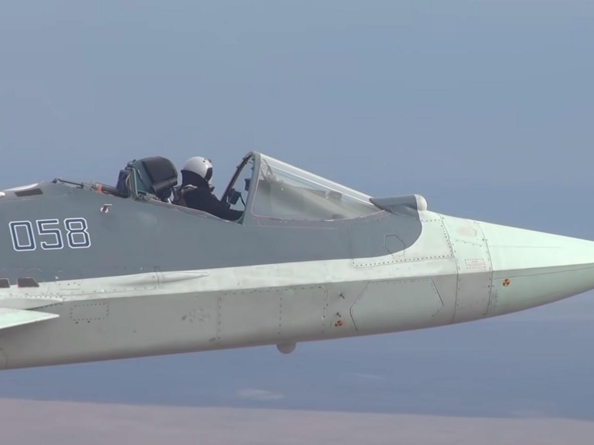 Пилот Су-27 в открытой кабине
