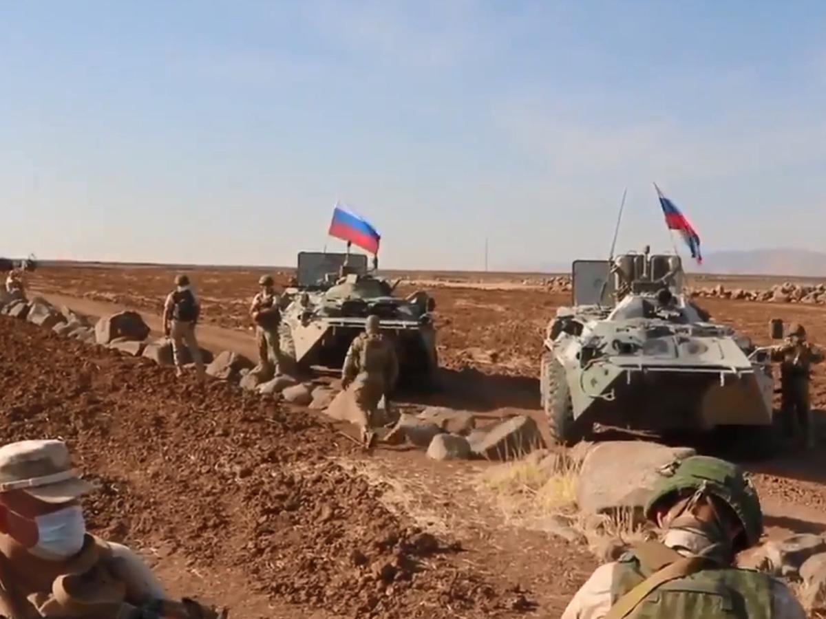 Российских военных в Сирии забросали камнями