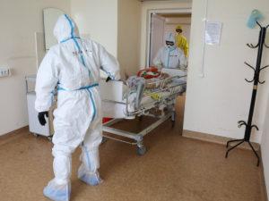Россия рекорд по больным и умершим COVID-19