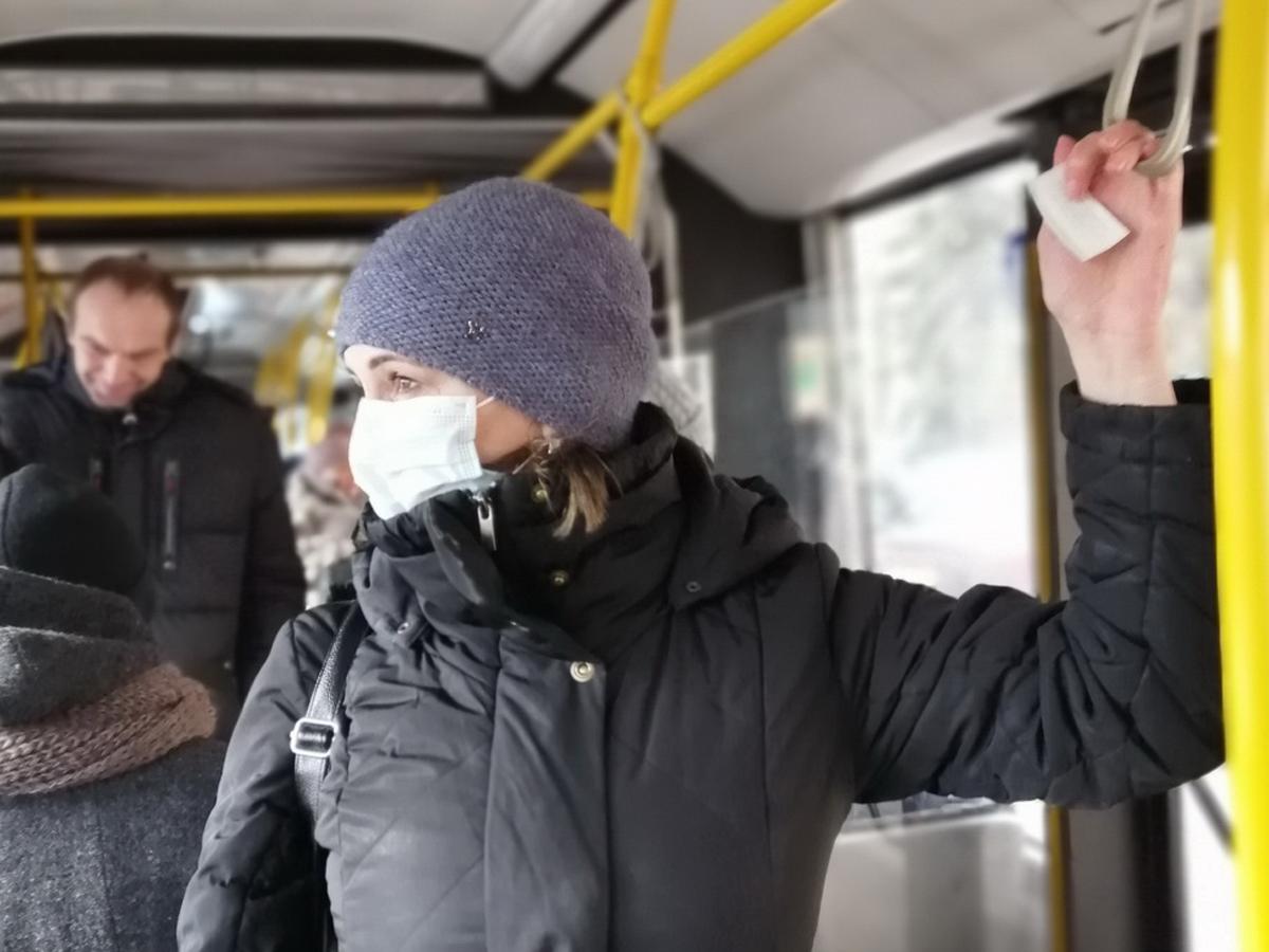 В Новгороде стрельба в автобусе из-за маски