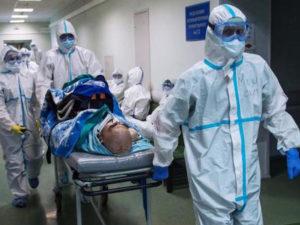 В России 300 смертей за сутки от коронавируса