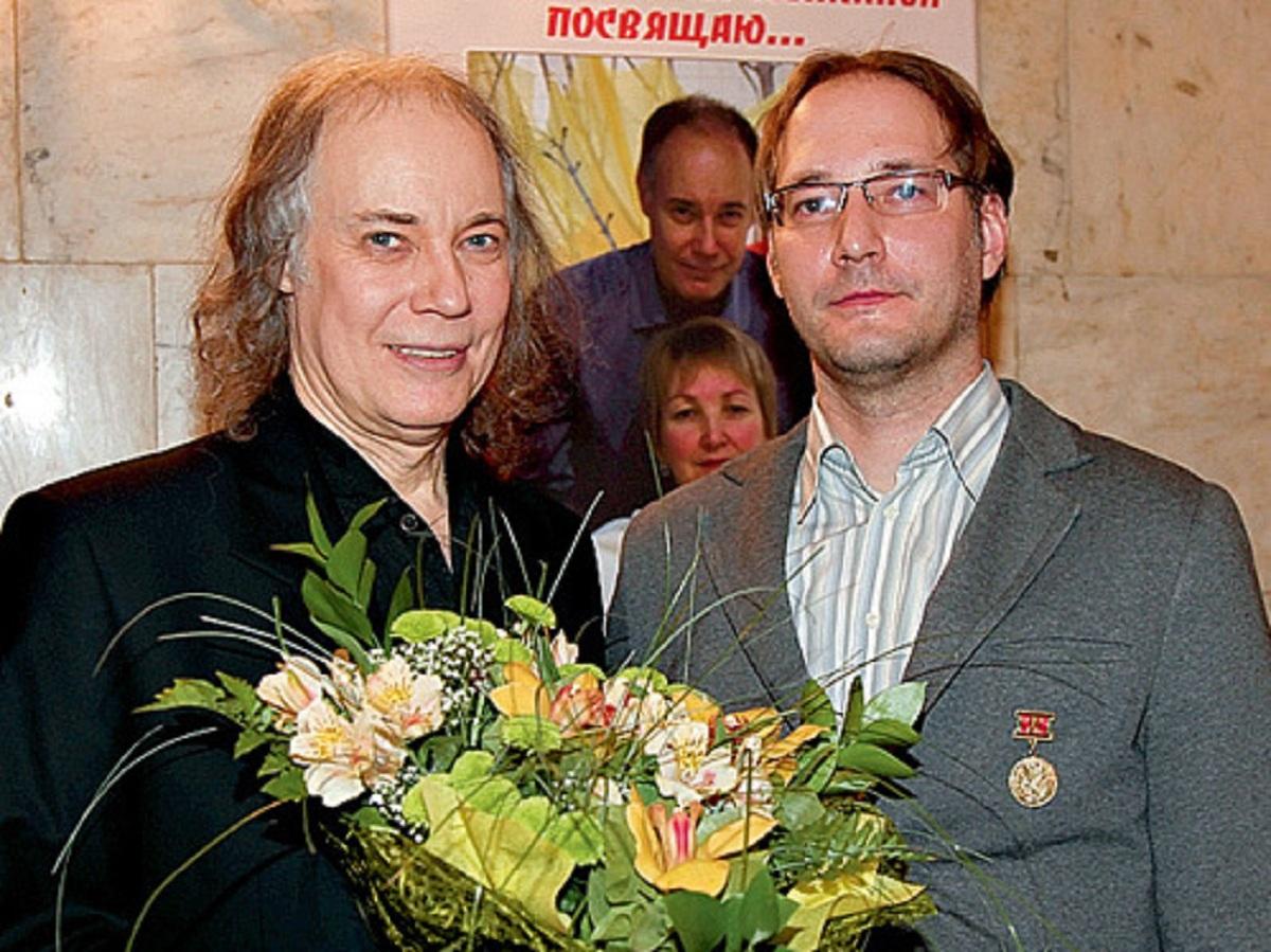 СМИ: Владимир Конкин бросил парализованного после ДТП сына