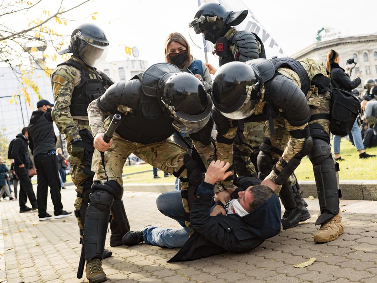 Жесткие задержания в Хабаровске