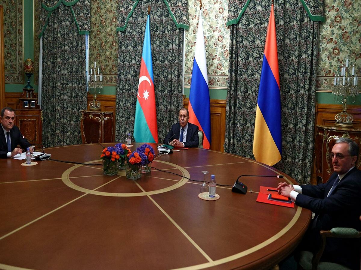В Москве начались переговоры глав МИД России, Армении и Азербайджана