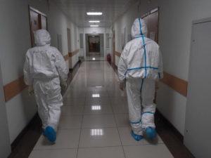 В Минздраве назвали срок снижения активности коронавируса в России