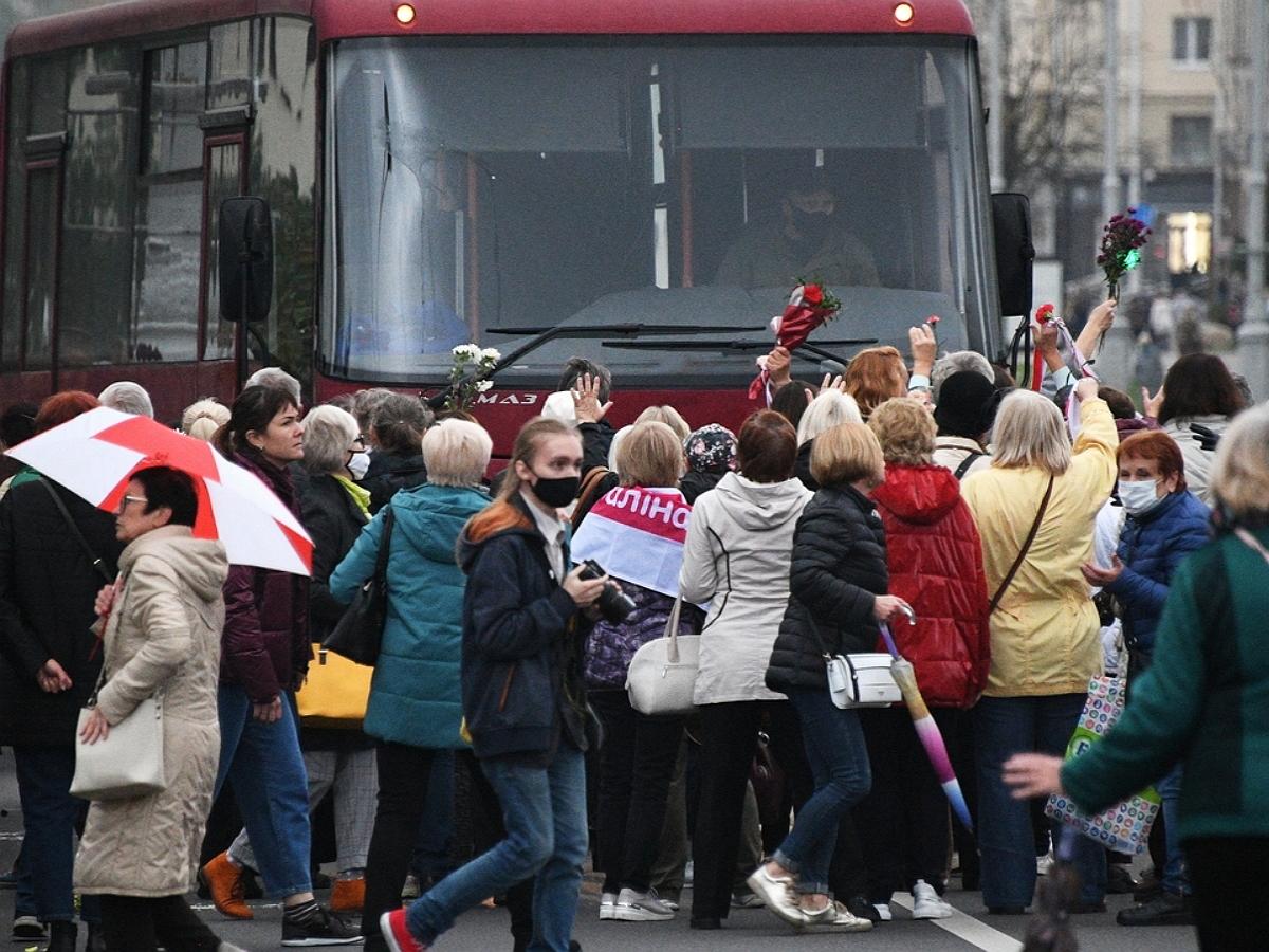 Власти Белоруссии пригрозили применять боевое оружие на протестах