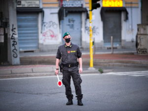 Меркель ввела карантинный режим вГермании из-за COVID-19