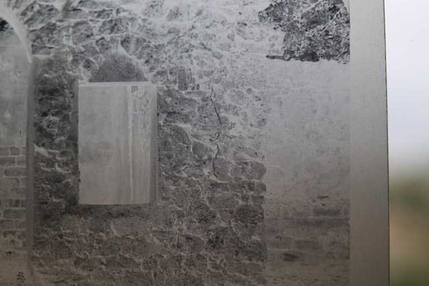 Шотландец снял на фото привидение на кладбище