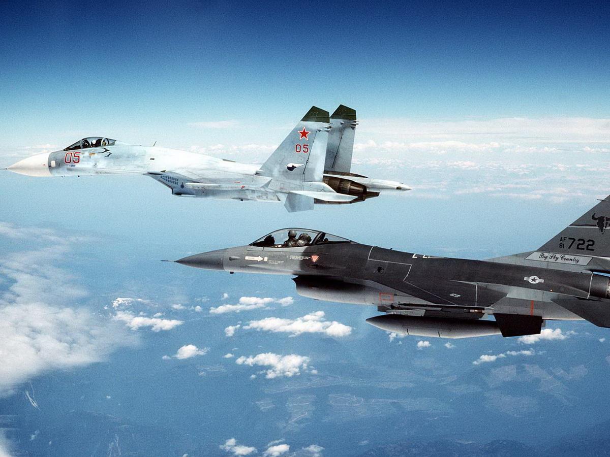 Су-27 против F-16