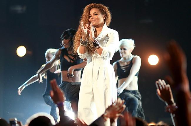 Самые популярные исполнители и песни за всю историю Billboard Hot 100