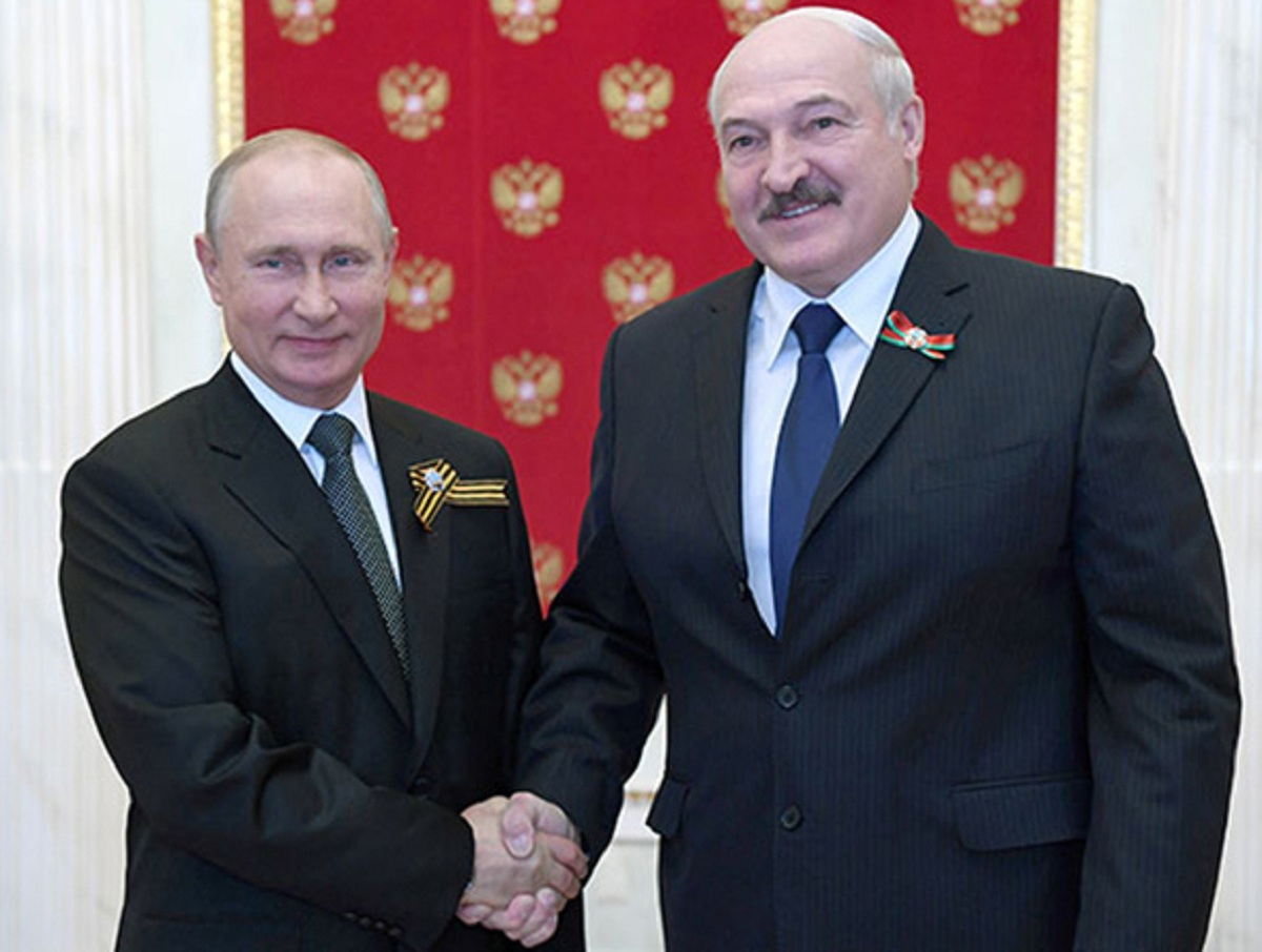 Политолог: «Путин готовит удар по Лукашенко»