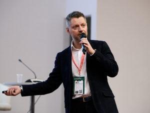 Журналист Алексей Пивоваров после вакцинации заразился коронавирусом
