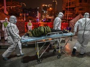 Ученые объяснили, почему не удается остановить пандемию