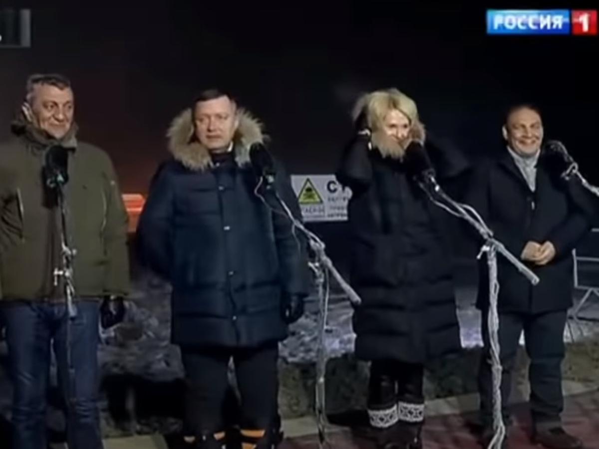 Чиновники сняли шапки перед Путиным