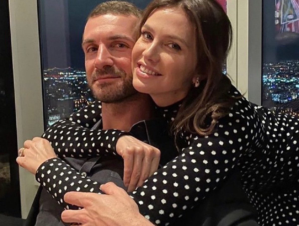 Экс-жена Абрамовича опубликовала фото со свадьбы с миллиардером из Греции