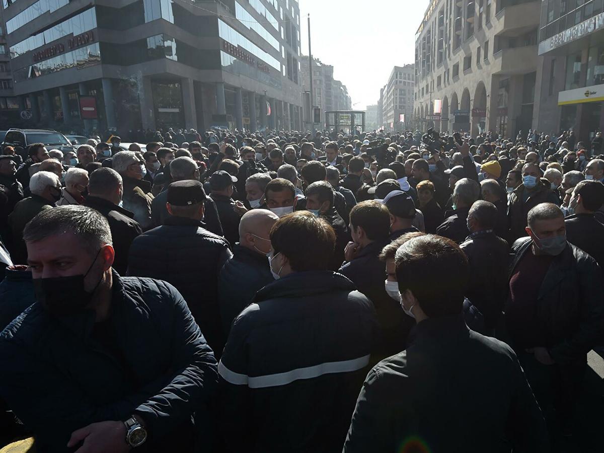 Ереванская оппозиция создаст комитет национального спасения