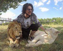 В парке Крыма растерзали львенка Филиппа Киркорова