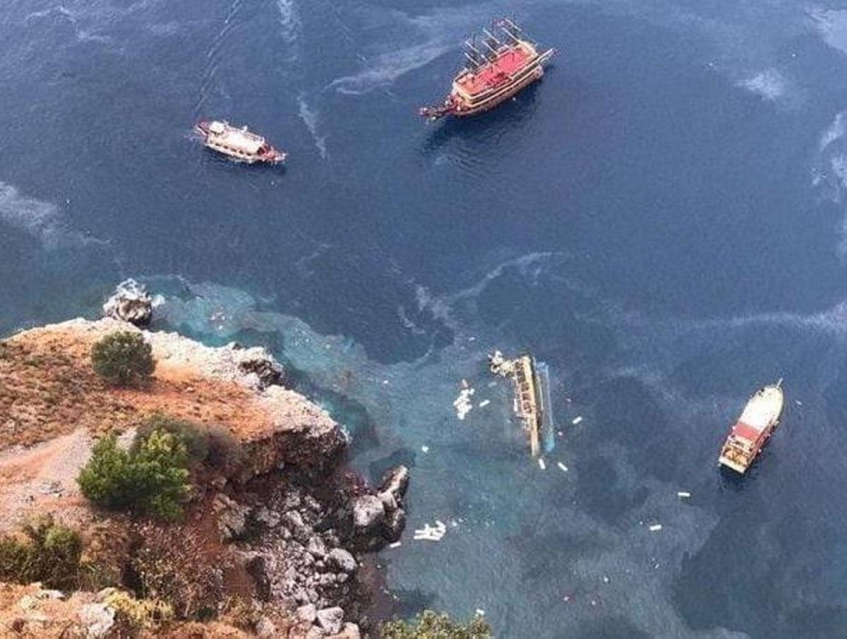 В Турции затонул катер с российскими туристами: один мужчина погиб