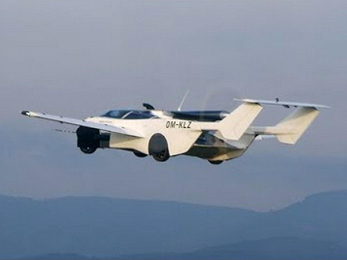 Летающий автомобиль AirCar со складными крыльями