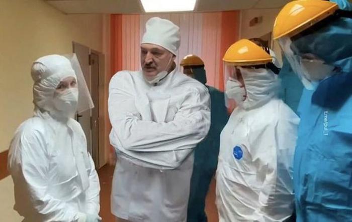 Лукашенко в смирительной рубашке