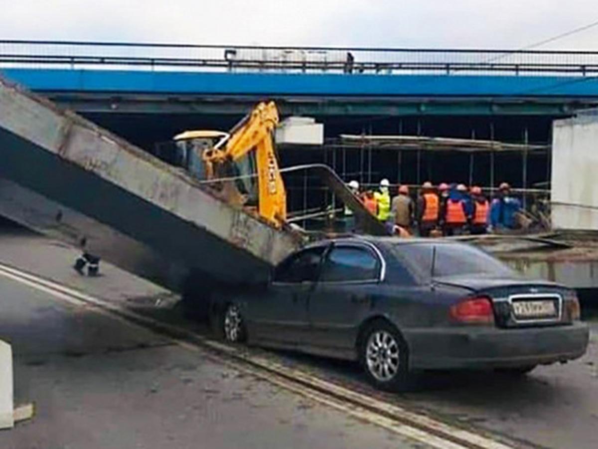 На Рублево-Успенком шоссе обрушилось перекрытие