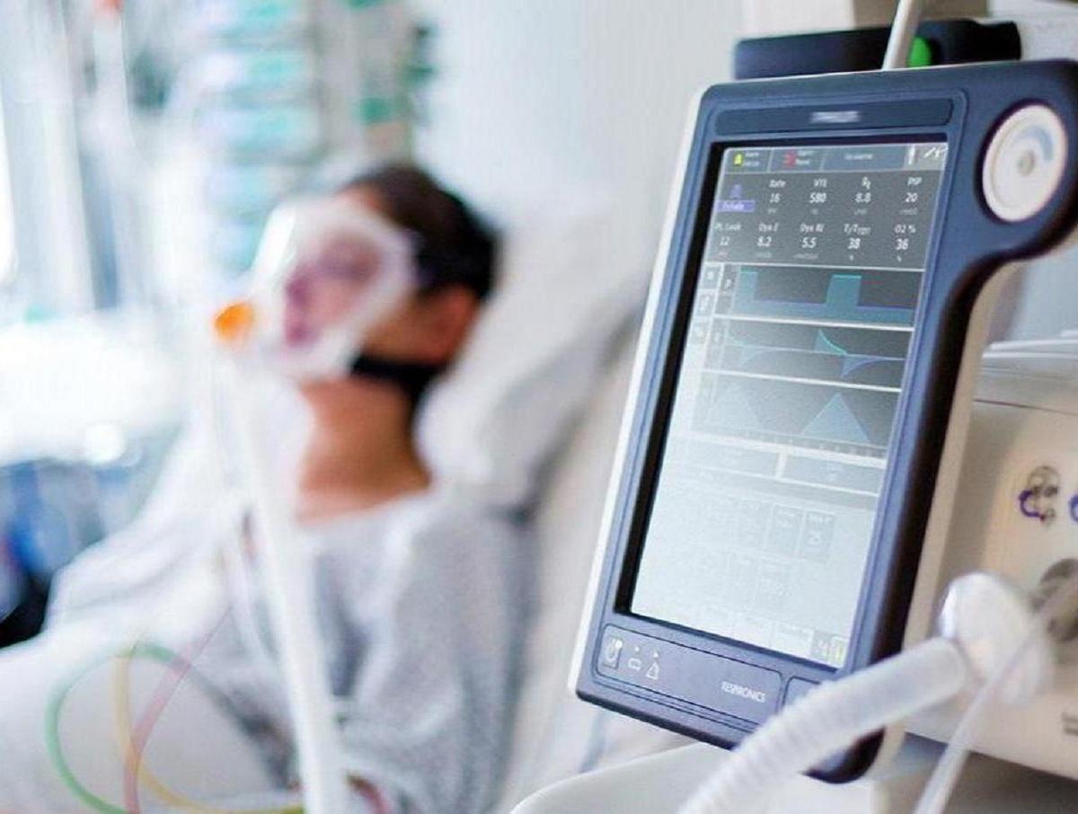 Российский врач разъяснил, как лечить различные формы COVID-19
